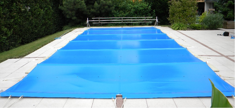 Bche de piscine cheap enrouleur pour bache de piscine with bche de piscine perfect couverture for Bache ete piscine hors sol