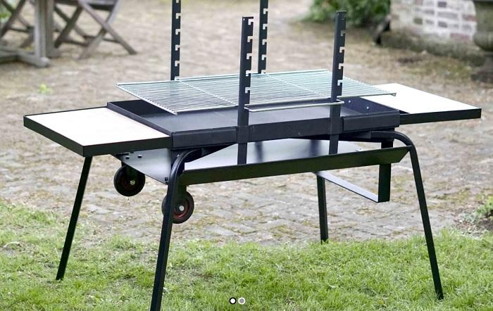 pour un barbecue de grande taille infos des entrepreneurs. Black Bedroom Furniture Sets. Home Design Ideas
